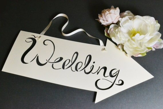 Custom colour wedding arrow