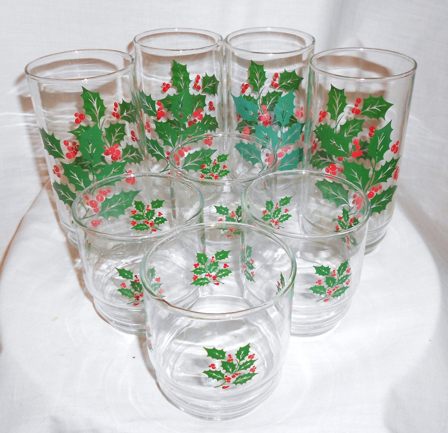 Vintage drinking glasses christmas holly berry leaves