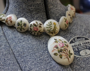 Necklace painted Fabric Buttons Roses Flowers Ribbon VINTAGE by Plantdreaming