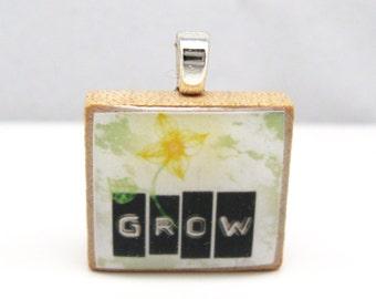 Grow Scrabble tile pendant - label maker design with daffodil
