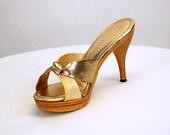 1970s platform shoes, platform sandals, Connie shoes, Wood heel, metallic shoes, gold high heels, Size 7.5