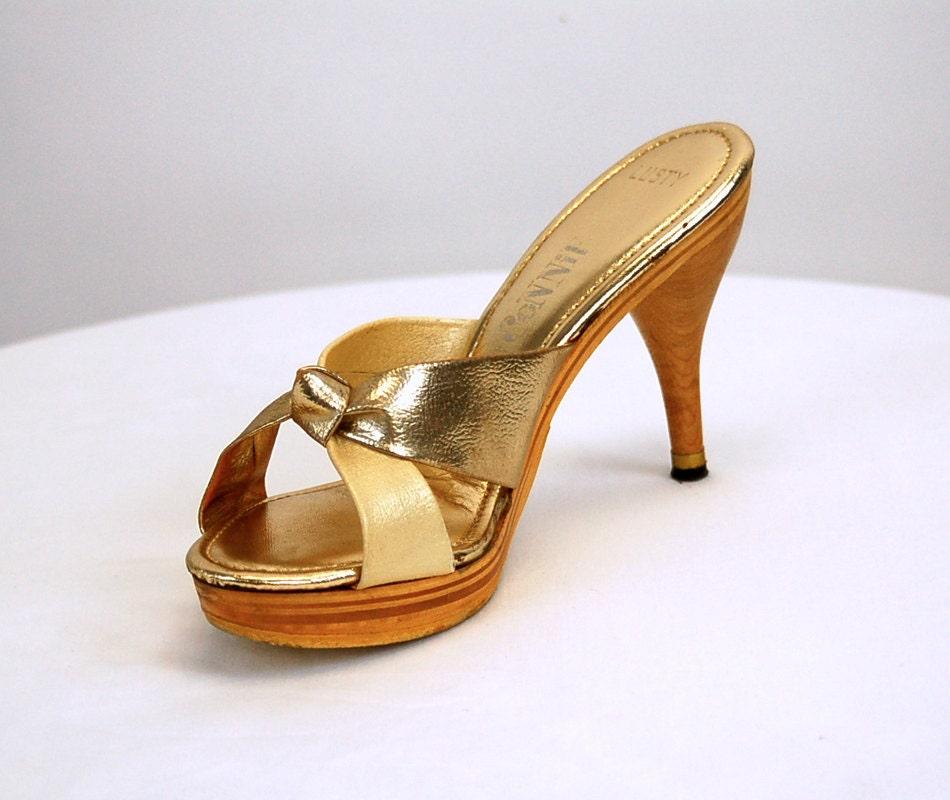 1970s platform shoes platform sandals connie shoes wood