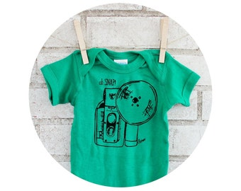 Oh Snap Vintage Camera onepiece in Kelly green, Cotton infant Creeper, Photographer Baby Shower Gift