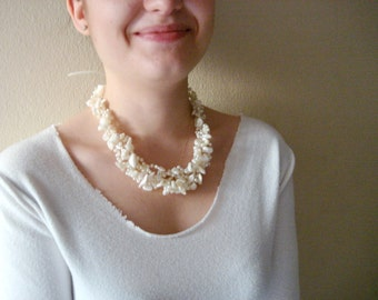 Ivory shell crochet necklace, Pearl Wedding pearl headpiece, handmade hair accessories