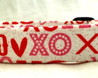 Hugs and Kisses XOXO Valentines Day Red Pink and White with Hearts Dog Collar