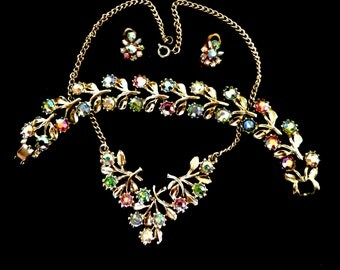 1960s Necklace, Bracelet and clip Earrings Aurora Borealis english set-Lovely iridescent crystals flowers- Art.469/3--