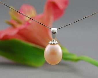 Oona - Lovely powdered peach pastel pearl pendant, pearl necklace, anniversary, for her, fashion, gift idea, wedding, woman, older teens
