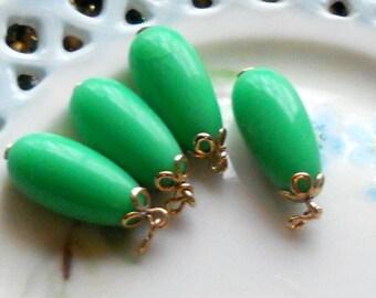 N554 Vintage Earrings Drops Dangles Green Teardrop Cottage Candy Kelly Lucite Shabby