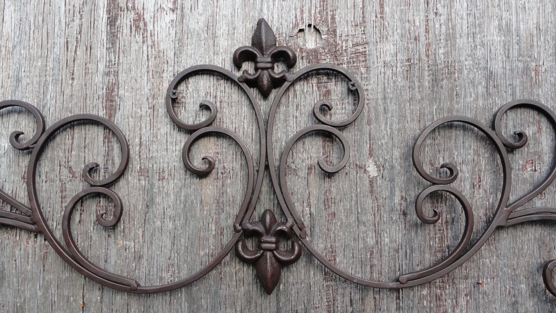 cast iron wall decor fleur de lis scrolls vine decorative. Black Bedroom Furniture Sets. Home Design Ideas