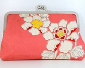 1950's Vintage Kimono Pink Flower 8 Inch Chained Kisslock Clutch