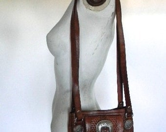 vintage. 70s AMERICAN WEST Handmade Tooled Small Shoulder Bag // Leather Purse