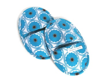 Pot Holder - Turquiose Retro FLower Print Oven Mitt Set - Favorite Potholders - Hot Pot Mitt Pair - Turquoise Blue Floral Circle Oven Mitts