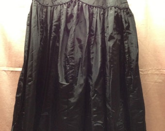 SZ Medium Taffeta Slip or Skirt Fifties Lingerie Swing Skirt Dance Skirt