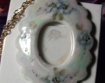 PORCELAIN HANDPAINTED NECKLACE