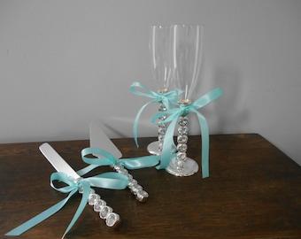 Wedding Toasting Glasses Champagine Flute Set Wedding Cake Serving Set Rhinestones Glam Bling Silver Diamond Handle your choice of ribbon