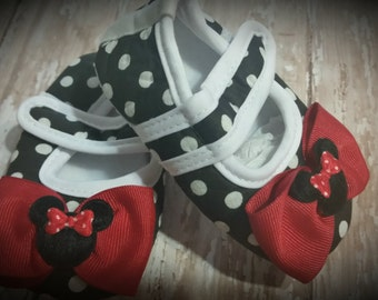 Baby Girl Shoes, BLACK Polka Dot Minnie Inspired Mary Jane Baby Crib Shoes with Bow Accent...You Choose from 3 Sizes...0-18 Months