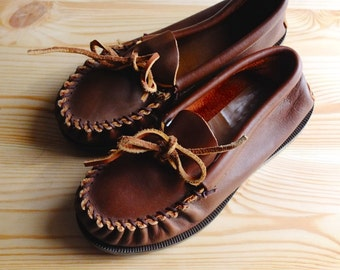 Vintage Nantucket Preppy Pre-Teen - 1970s Topsider Boys Size 13 Leather Mocassins w/ Weron Bole - 70s Martha's Vineyard Prep Realness -