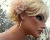 A Bridal Fascinator,Ivory Flower Hair Clip,Wedding Fascinator, Floral Hair Clip, Wedding Comb, Bridal, Bridal Headpiece, Flower Comb