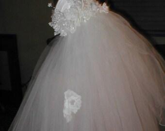 VINTAGE  Wedding Bridal Veil  with Juliet Cap Headpiece