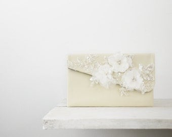 Ivory bridal clutch, Ivory wedding clutch | Wedding purse
