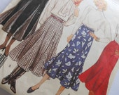 Vintage 1987 McCalls Sewing Pattern 3227 Size 14 for Trumpet Style, Fit and Flare Skirts