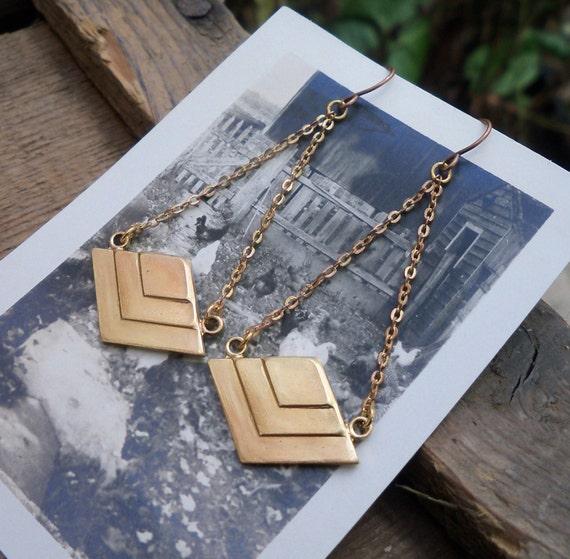 chevron earrings / chevron jewelry / vintage brass earrings / PYRAMID DANGLES