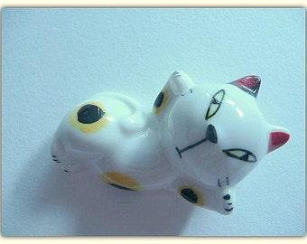 PORCELAIN CAT MAGNET