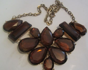 1960s Faceted Amber Lucite Floral Collar Necklace, Stunning