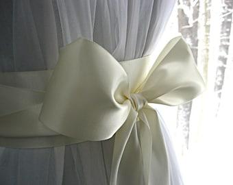 Bridal white / soft white wedding sash, bridal sash, bridesmaid sash, dress sash, gown sash, Communion dress sash, 2.25 inches wide