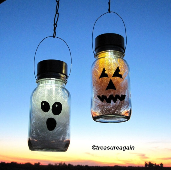 Solar Halloween Mason Jar Lights Pumpkin Ghost Halloween Decor, 2 Hanging Outdoor Lights, Fall Decor, Autumn Garden Outdoor Decoration