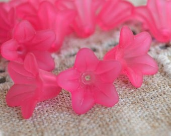 100pcs Trumpet Lily Frosted Lucite Flower Fuchsia Beads Acrylic 17x12mm Iced For Lucite Flowers Earrings