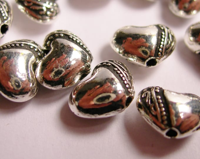 24 silver heart beads  - hypoallergenic - engraved silver heart beads -  ASA12