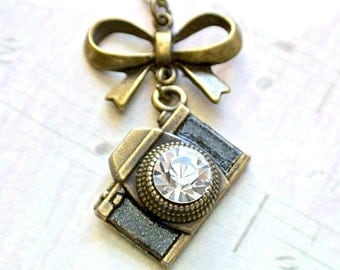 Camera necklace -Vintage camera jewelry with butterfly knot-Camera jewelry gift for her-Wedding Photographer gift-Capture Life