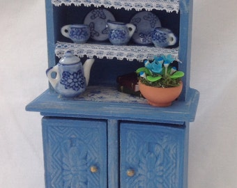 Dolls House Miniatures - Country Chic Dresser with China