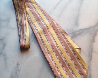 40s Vertical Stripe Necktie from Harry S. Cohen Store for Men Mellowtone Foulard by Hut