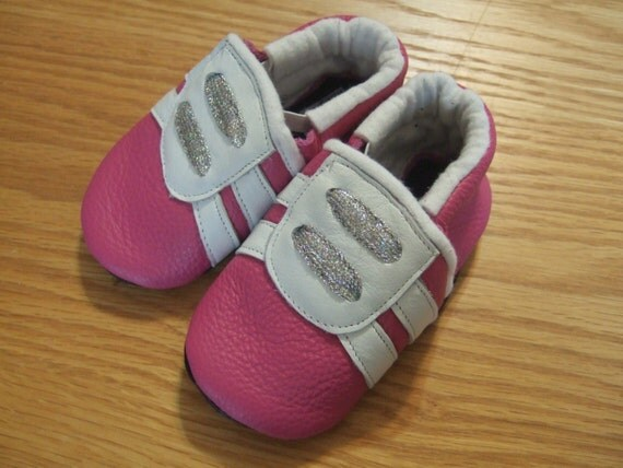 pink baby tennis shoes 6 12 month size 4 soft soled leather