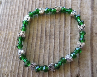 Green Beaded Stretch Bracelet with Silver Celtic Hearts