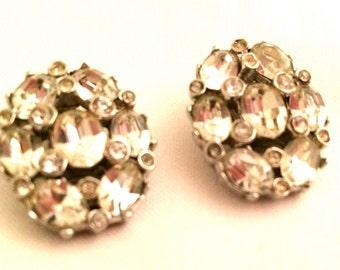 BELLINI Signed collectible clip earrings clear rhinestones Designer Authentic Vintage Jewelry artedellamoda talkingfashion Bridal Quality