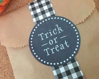 Chalkboard Trick or Treat Labels