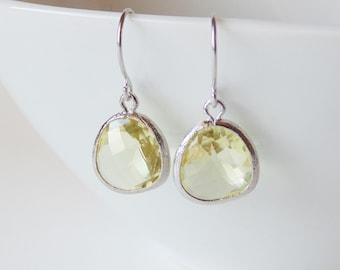 Jonquil light yellow GLASS and silver dangle earrings. Bridal earrings. Bridesmaids earrings. Bridesmaid earrings. Wedding jewelry.