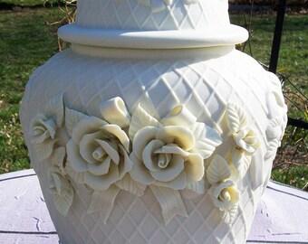 Rare Vintage China Rose Amp Lattice Ginger Jar Urn