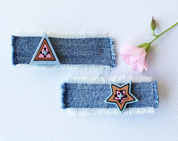 Cupcake Triangle and Star Hair Accessory. Pair of hair clips - cute little gift for stocking filler!