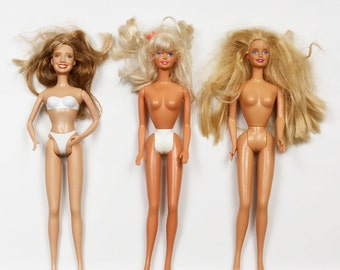 Three Barbie Dolls with Blonde Hair, Blue eyes, open Mouths