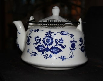Teapot Vintage Ceramic Made in Japan Blue and White