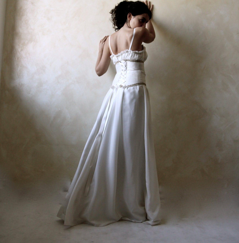 Medieval Wedding Dress Bridal Gown Silk Wedding Dress: Wedding Dress Bridal Gown Wedding Gown Medieval Wedding