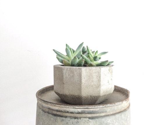 Geometric Concrete Planter, Faceted Planter, Succulent Planter, Industrial, Angular Concrete Planters, Grey Planter,Simple, Multifaceted