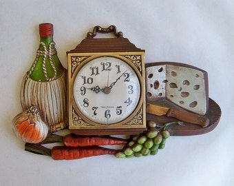 "Mid Century New Haven Molded Plastic Kitchen Clock ""Kistchy 1970s Fun"""