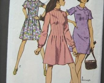 Vintage 1970 Cute Flutter Sleeve A Line Dress Pattern Peter Pan Collar Simplicity 8903 Size 8