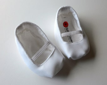 White Mary Jane Baby Shoes  - Size 0-18 Months - Church, Weddings, Baptism