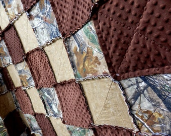 King Size Quilt, Tree Camo Rag Quilt, Camouflage Bedding, Woodgrain Quilt,  Minky Quilt, Handmade in NJ
